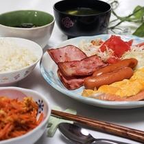 ご朝食一例*