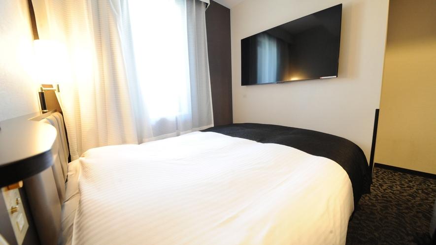 ダブルルーム(広さ12㎡~15㎡/ベッド幅140cm×1台)