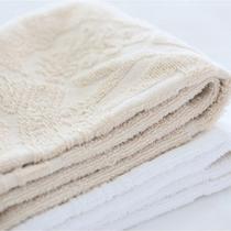 2名利用のお部屋には色違いタオルをご用意