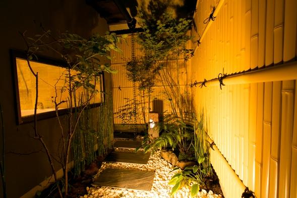 【夏旅セール】【一棟貸切・素泊り】町家スタイルの宿でプライベートステイ(駐車場1台無料)