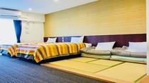 ■ 和洋室 ■ 3名様以上は畳スペースに布団を準備。(最大2枚)