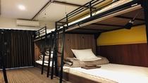 ■ 女性限定ドミトリー(相部屋) ■ 2段ベッドが3台入った、定員6名のお部屋 ※TVなし