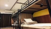 ■ 6名個室 ■ 2段ベッドが3台あるお部屋 ※TVなし