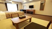 ■ 和洋室 ■ 畳スペースから見たお部屋