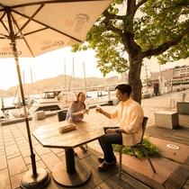 当館から徒歩約10分『長崎出島ワーフ』 長崎の港をバックに乾杯♪