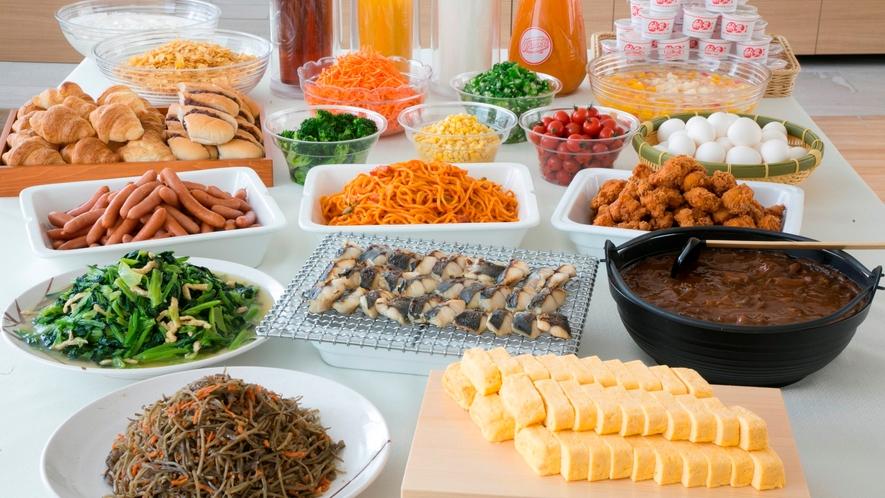 名古屋めし「どて煮」「小倉ドッグ」をはじめ、大ボリュームでお迎えします。