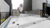 平面駐車場/大型の観光バスも駐車可能です。