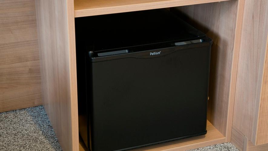ペルチェ式冷蔵庫