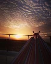 ハンモックから見る夕日