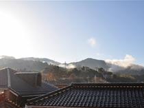 【館内】 お部屋からの朝靄