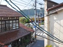 【館内】2階大広間から見た伯備線