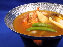 夕食のお鍋は海鮮香るブイヤーベース鍋