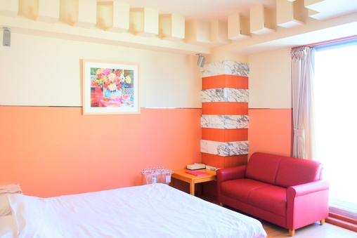 【禁煙】サウナ付き洋室または和洋室、クイーンサイズベッド