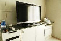 TV・ミニ冷蔵庫・エアコン