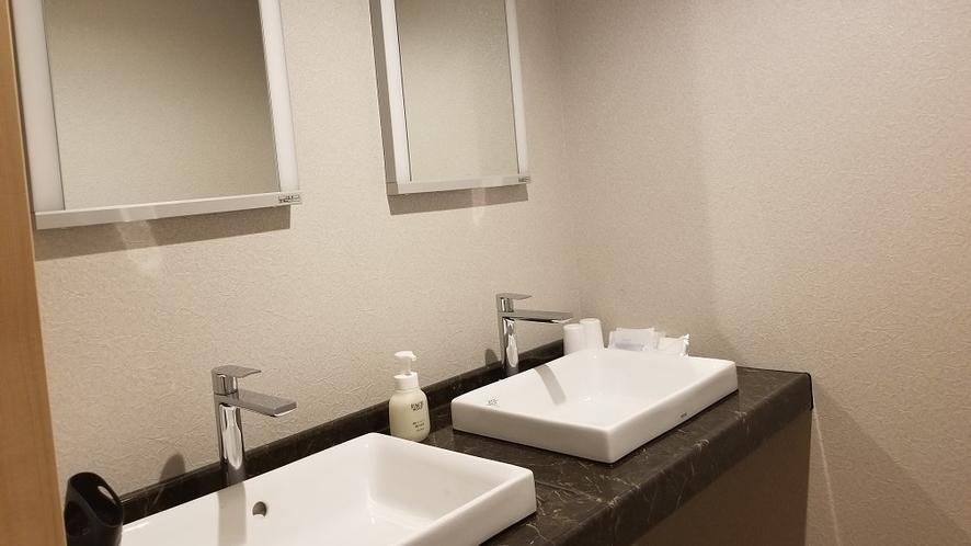 和洋室洗面台(ルームNo.により1台の場合もございます)