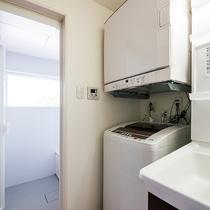 *[客室一例/1K-B]タオルは多めにご用意しており洗濯機&乾燥機完備なので長期滞在にも便利です!