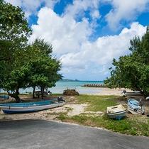 *[目の前のビーチ]当館目の前!自然がそのまま残る仲泊ビーチ