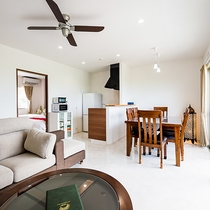 *[客室一例/2LDK]寝室とダイニングキッチンが別々になった広めの客室です。