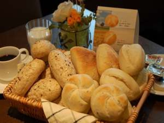 朝食のパンは4種類!