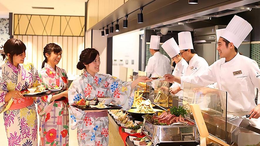 最上階のレストランでは景色も楽めます。ライブキッチンでは鉄板焼きや天麩羅などアツアツをご提供♪