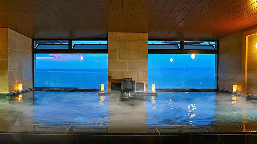 【3階大浴場】遠くの空と別府湾とのグラデーションも綺麗♪