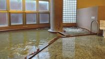 *女性用大浴場一例/源泉かけ流しの天然温泉がたっぷりと注がれています。
