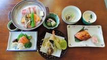 *スタンダード夕食一例/美味しいあきたこまちと季節の食材を使った和食膳約7品。