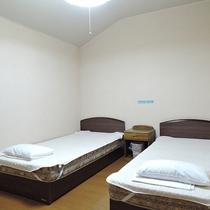 *客室一例/2階には約6畳のツインベッドルームがございます。