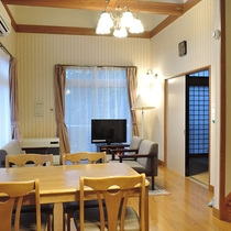 *客室一例/1階には12畳のダイニングキッチンと6畳の和室がございます。