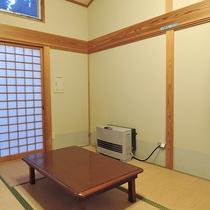 *客室一例/リビングの奥には6畳の和室がございます。