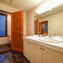 *[コーナーツイン一例]洗面台が2つありとっても便利