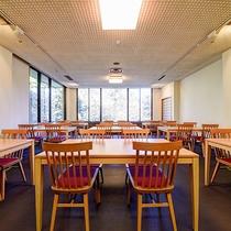 *[食堂/1階]夕食は18:00~。朝食は8:00~10:00にご用意致します