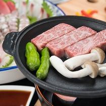 *[箱根西麗牛ステーキ一例]身は柔らかく脂身は旨味成分を多く含み味に旨味とコクがあります