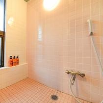 *[トリプル一例]一部シャワー室付のお部屋もございます