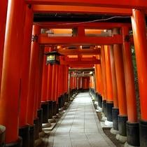 伏見稲荷神社の千本鳥居