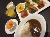 <1F>レストラン『roomCAFE』 バイキング