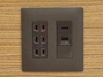 <客室内>USBポート付コンセント