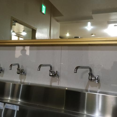洗面台ありまーす!大きな鏡で身支度♪