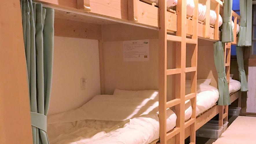 ・<ファミリルーム>2段ベッド4台