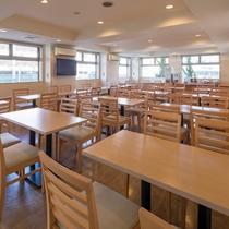 ◆明るい朝食会場で朝のひと時をどうぞ◆