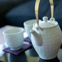 客室内茶器
