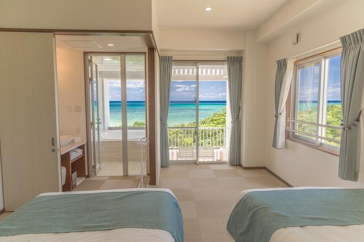 ツインルーム ~オーシャンフロント~  客室のどの位置からも海が見える幸せを~♪