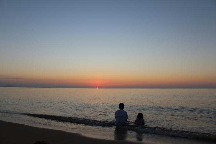 隠れ家ビーチ ~ 大切な人との距離が、ぐっと縮まる時間をお過ごしいただけます ~