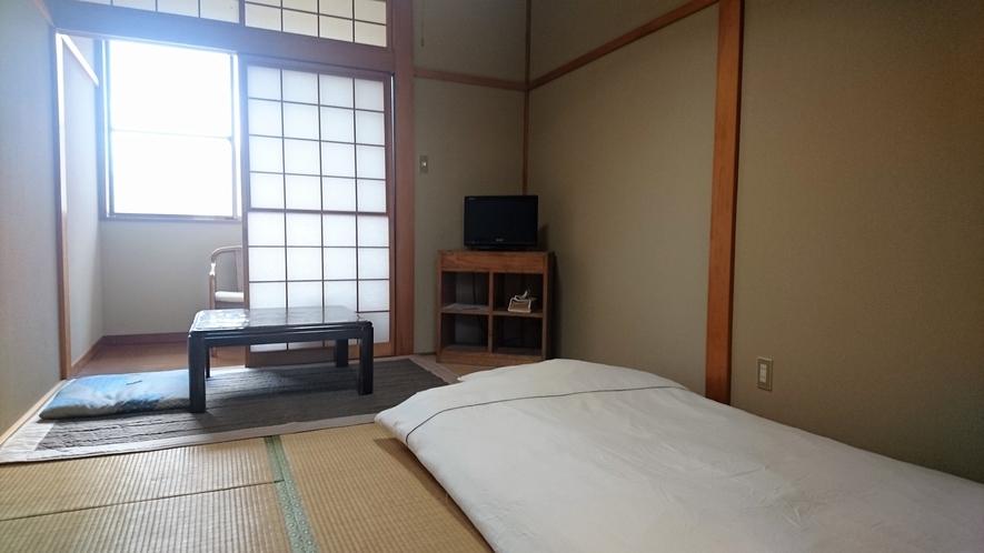 客室6畳(定員1~2名)