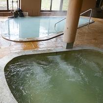*大浴場一例/2種類の天然温泉。交互に入ると疲れがスッキリとれると評判です。