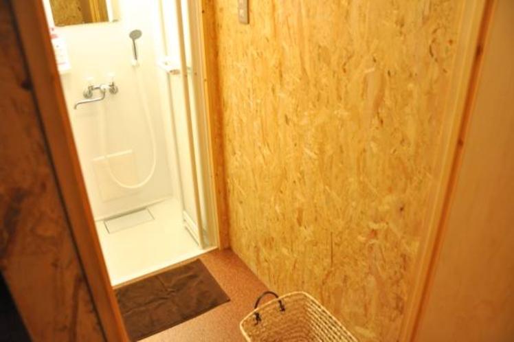 1階共用シャワールーム