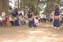 鳥見神社の獅子舞 ※印西市役所提供
