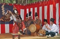 鳥見神社の神楽 ※印西市役所提供
