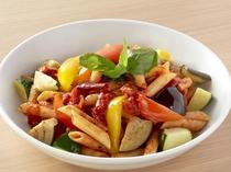 パスタメニュー:野菜たちとペンネアラビアータ