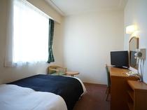 【西館】セミダブル11平米/120cm幅ベッド1台